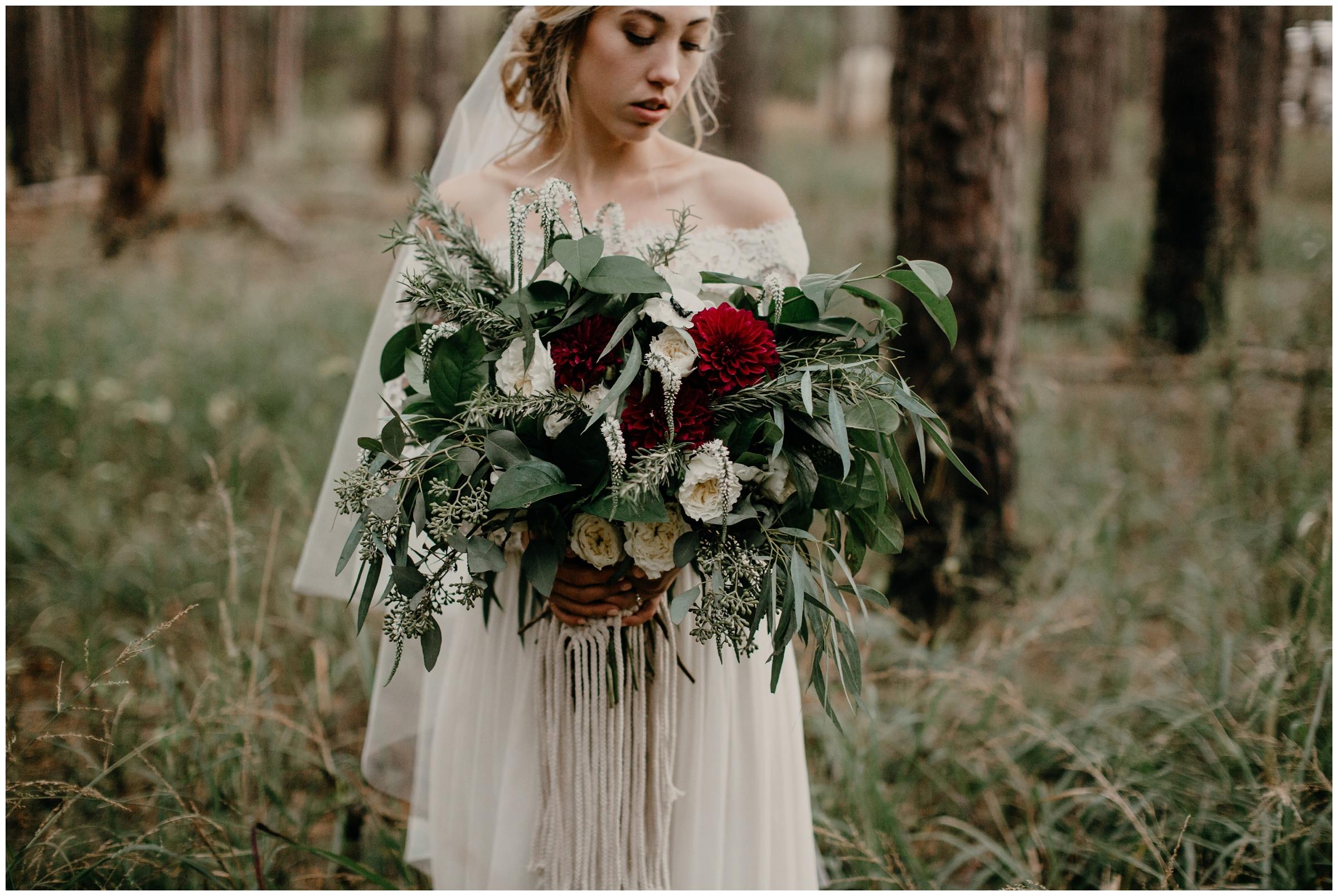27 rue de fleur wild bouquet arkansas wedding