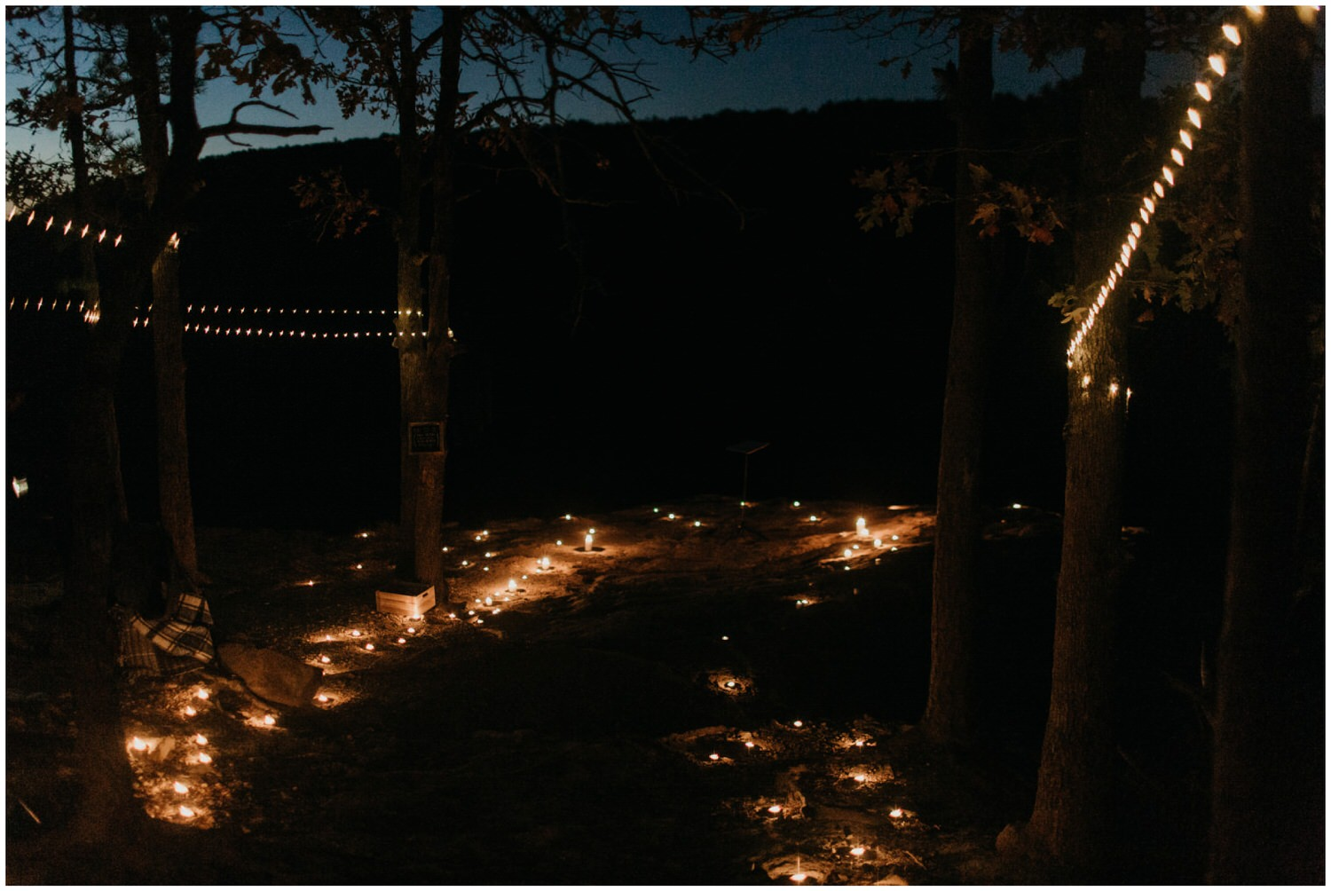 sunrise wedding ceremony at hawksbill crag