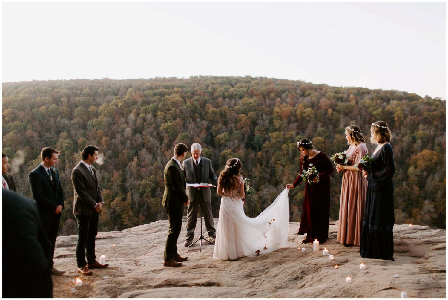 sunrise wedding ceremony at hawksbill crag ponca arkansas